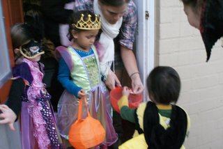 1031Trick-or-treat5.jpg